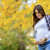 jonge · mooie · zwangere · vrouw · najaar · park · buitenshuis - stockfoto © boggy