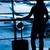 silueta · mujer · aeropuerto · mujer · de · negocios · vuelo · avión - foto stock © cookelma