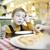 aburrido · pequeño · nino · restaurante · sesión · vacío - foto stock © d13