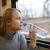 vrouw · naar · uit · trein · venster - stockfoto © d13