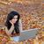 fille · heureuse · pomme · vert · regarder · ordinateur · portable · écran - photo stock © dash