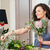 florista · trabajo · mujer · ramo · primavera - foto stock © deandrobot