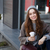 女子 · 飲用水 · 戶外 · 咖啡 · 晴朗 - 商業照片 © deandrobot