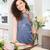 mujer · sonriente · florista · pie · ramo - foto stock © deandrobot