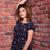 jóvenes · mujer · de · negocios · pared · retrato - foto stock © deandrobot