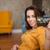 gelukkig · vrouw · tonen · creditcard · winkelen · kleding - stockfoto © deandrobot