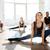 grup · de · oameni · pilates · clasă · fitness · sportiv - imagine de stoc © deandrobot