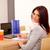 jóvenes · mujer · de · negocios · escrito · notas · sesión · escritorio - foto stock © deandrobot