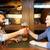 2 · 幸せ · 男性 · 友達 · 飲料 · ビール - ストックフォト © dolgachov