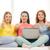 groep · drie · meisjes · met · behulp · van · laptop · home · meisje - stockfoto © dolgachov