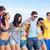 mutlu · arkadaşlar · yürüyüş · yaz · plaj · dostluk - stok fotoğraf © dolgachov