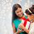 gelukkig · moeder · kind · meisje · geschenkdoos · christmas - stockfoto © dolgachov