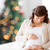 heureux · femme · enceinte · séance · lit · maison · grossesse - photo stock © dolgachov