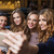 mujeres · toma · club · nocturno · celebración · amigos - foto stock © dolgachov