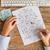 ビジネスの方々 ·  · 戦略 · 接着剤 · ノート · 手 - ストックフォト © dolgachov