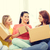 glimlachend · tienermeisjes · karton · dozen · home · vervoer - stockfoto © dolgachov