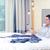 zakenman · hotelkamer · zakenreis · technologie · internet - stockfoto © dolgachov