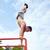 男性 · 体操選手 · 逆立ち · パラレル · バー - ストックフォト © dolgachov