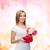 mujer · sonriente · ramo · flores · caja · de · regalo · vacaciones · amor - foto stock © dolgachov