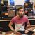mannelijke · muzikant · spelen · muziek · store · verkoop - stockfoto © dolgachov