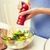 女性 · 料理 · 野菜 · サラダ · ホーム - ストックフォト © dolgachov
