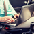 若い男 · ノートパソコン · 運転 · 車 · 輸送 - ストックフォト © dolgachov