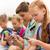 escuela · primaria · estudiantes · smartphones · primario · educación · amistad - foto stock © dolgachov