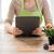 女性 · 植木屋 · バラ · 花 - ストックフォト © dolgachov