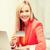 glimlachend · zakenvrouw · student · laptop · zakenlieden · technologie - stockfoto © dolgachov
