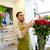 souriant · fleuriste · homme · roses · personnes - photo stock © dolgachov