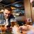 友達 · スマートフォン · 飲料 · ビール · パブ · 人 - ストックフォト © dolgachov