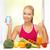 vrouw · vruchten · groenten · smartphone · calorieën · gezondheid - stockfoto © dolgachov
