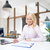 glimlachend · zakenvrouw · lezing · papieren · kantoor · onderwijs - stockfoto © dolgachov