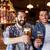 glücklich · Freunde · trinken · Bier · counter · Veröffentlichung - stock foto © dolgachov