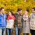 gruppo · sorridere · uomini · donne · autunno · parco - foto d'archivio © dolgachov