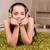 肖像 · かなり · 若い女性 · 音楽を聴く · mp3プレーヤー · 屋外 - ストックフォト © elnur