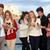 tieners · mobiele · mobiele · telefoons · groep · gelukkig · glimlachend - stockfoto © godfer