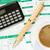 local · de · trabalho · empresário · calculadora · xícara · de · café · ambiente · financeiro - foto stock © Grazvydas