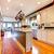 grande · branco · verde · cozinha · piso · de · madeira · casa - foto stock © iriana88w