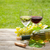 copos · de · vinho · uvas · mesa · de · madeira · comida · folha · fruto - foto stock © karandaev