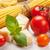 pasta · pomodori · basilico · tavolo · in · legno · cucina · italiana · cottura - foto d'archivio © karandaev