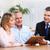 casal · de · idosos · reunião · agente · maduro · casal · falante - foto stock © kurhan