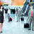 grupo · pessoas · de · negócios · aeroporto · viajar · negócio · mulher - foto stock © Kurhan