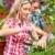 jóvenes · sonriendo · personas · de · trabajo · jardín · negocios - foto stock © kurhan