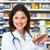 薬剤師 · 化学者 · 女性 · ドラッグストア · 作業 - ストックフォト © kurhan