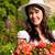 genç · kadın · bahçıvan · beyaz · çiçek · gülümseme · çalışmak - stok fotoğraf © kzenon