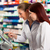 farmacista · assistente · farmacia · femminile · piedi · donna - foto d'archivio © Kzenon