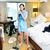 meid · stofzuiger · hotelkamer · jonge · schoonmaken · vrouw - stockfoto © kzenon