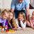familie · spelen · bordspel · home · vloer · vrouw - stockfoto © Kzenon