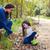 mãe · filha · parque · trevo · plantas - foto stock © lunamarina